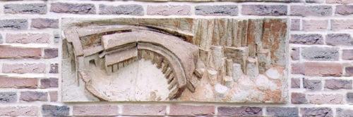 Béguinage. A l'exterieur des villes se créent des faubourgs. Des traces de béguinages ont été retrouvées à l'emplacement même du bâtiment de la Trésorerie. H 0m 40, L 1m 10..